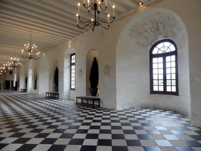 La hallette aux vins vall e de la loire ch teau de for Chateau chenonceau interieur