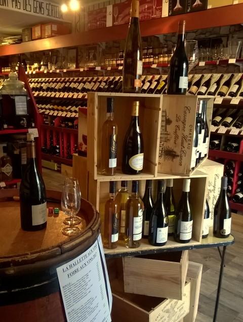 la hallette aux vins foire aux vins c 39 est parti la hallette aux vins. Black Bedroom Furniture Sets. Home Design Ideas